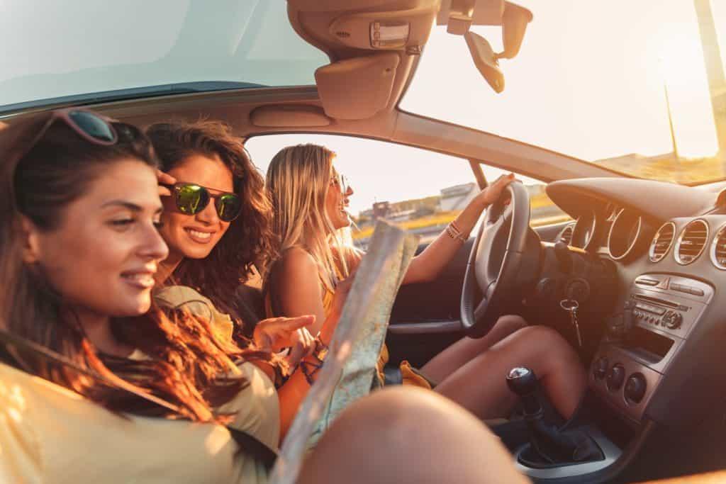 Blablacar: three female friends on a road trip